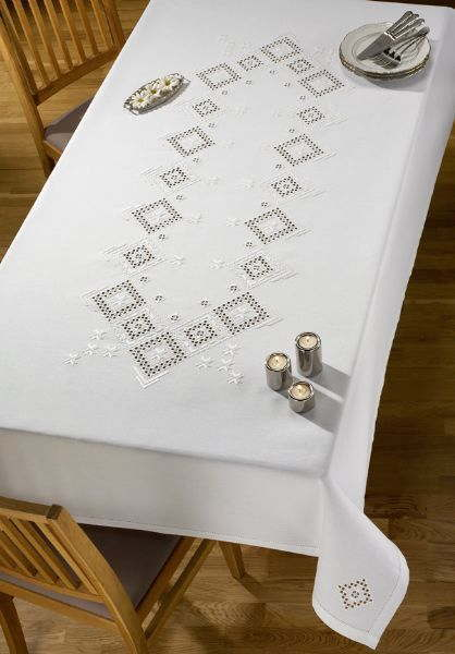 PERMIN ハーダンガー Hardanger 刺繍 キット デンマーク 北欧 刺しゅう ペルミン 58-9977 【送料無料】