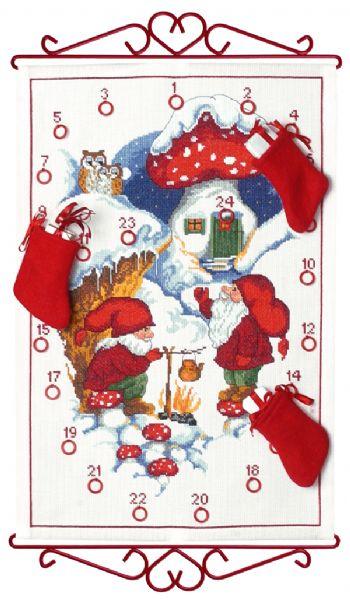PERMIN 温まるニッセ Nisse varmer the ペルミン クロスステッチ キット デンマーク 北欧 刺しゅう 34-1545 【DM便対応】