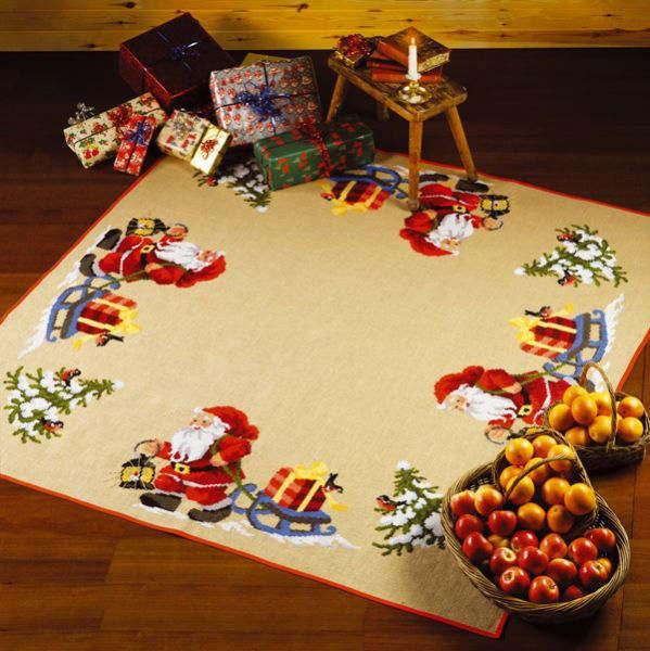 ペルミン クロスステッチ刺繍キット Julem. m/gift toboggan サンタクロースとギフトトボガンのクリスマスカーペット Permin of Copenhagen 北欧 デンマーク 上級者 45-1299 【送料無料】
