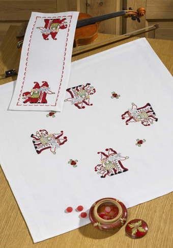 PERMIN サンタファミリー Nissefamilie 自由刺繍 キット デンマーク 北欧 ペルミン 27-0692 【DM便対応】