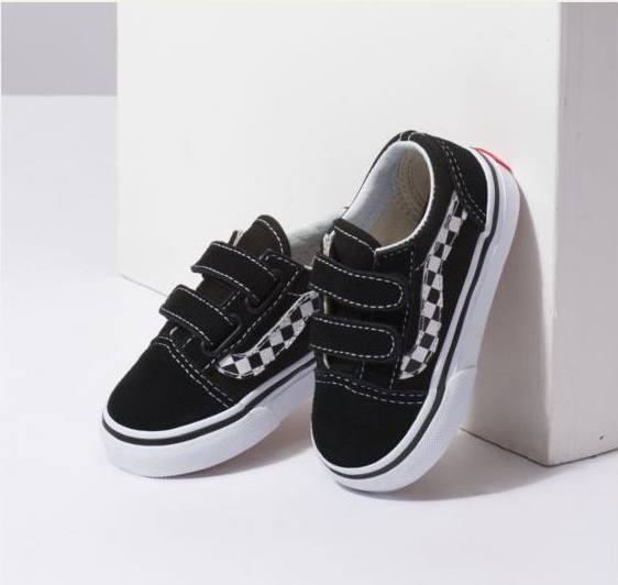 [VANS OLD SKOOL V KIDS(SIDESTRIPE V) is trip walk sports shoes in summer vacation in [USA plan] sneakers Velcro magic tape black station wagons