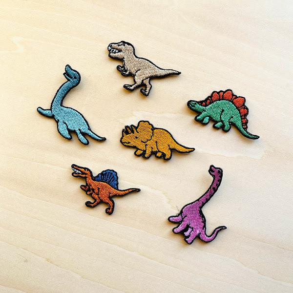 恐竜の刺繍ワッペン お買い得 ティラノサウルス 40%OFFの激安セール ステゴサウルス トリケラトプス プレシオサウルス ブラキオサウルス 保育園 入学準備 入園準備 幼稚園 スピノサウルス