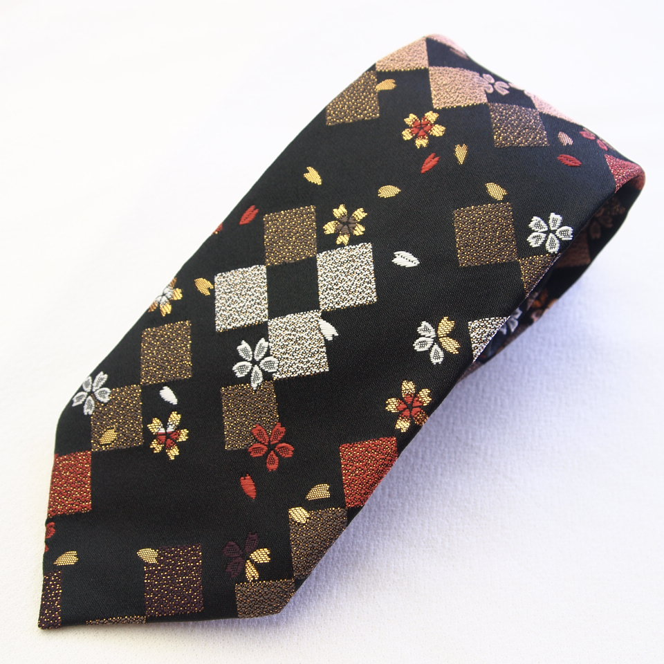 四季彩ブランドの最高級和柄ネクタイ☆和柄で一本一本ハンドメイドで作製 日本製ブランドの一品 さくら◇