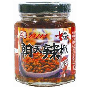 最安値に挑戦 食べるラー油 中華ラー油 台湾食材 老駱子朝天辣椒 激辛 送料無料 中華食材 大豆入り