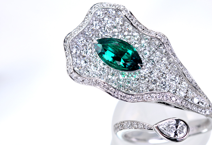 【ハンドメイド】コロンビア産エメラルド リング PT950 リーフモチーフ 1.04ct  2.552ctダイヤモンド
