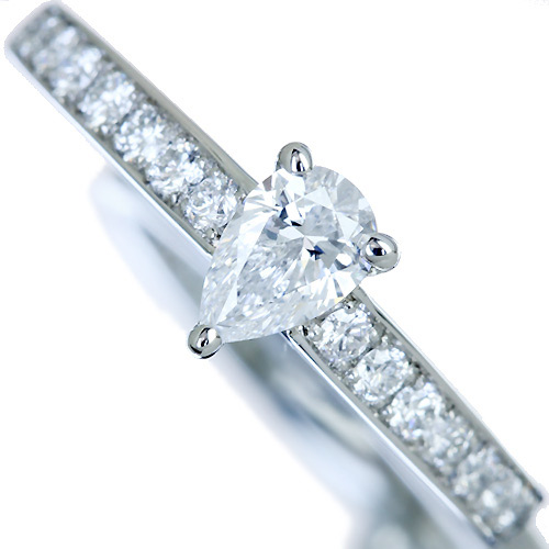 【ハンドメイド】ペアシェイプ ダイヤモンドリング PT950 0.305ct D VVS-1ダイヤモンドリング※中央宝石研究所ソーティングシート付き