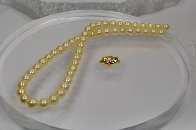 天然色 アコヤ 真珠  9mm  9.5mm 花珠 クイーン イエロー クリーム  ゴールド ネックレス ペア付き