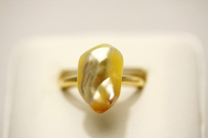 南洋白蝶真珠パールリング【指輪】 ケシ 15×10mm ナチュラルゴールドカラー K18製