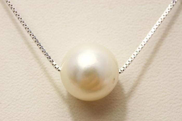 南洋白蝶真珠スルーパールネックレス 12mm ホワイトカラー
