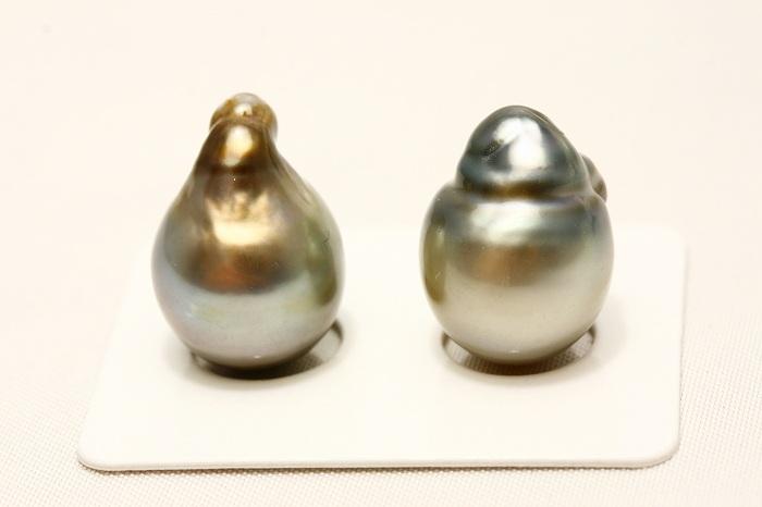 タヒチ黒蝶真珠パールペアルース 13mm グレーカラー