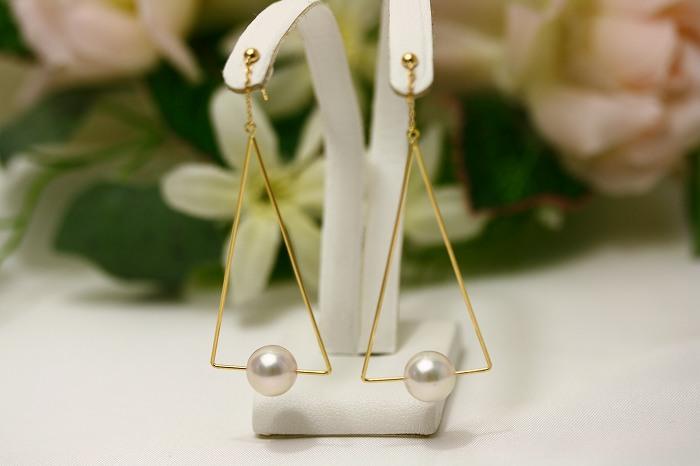 アコヤ真珠パールピアス ホワイトピンクカラー 8.0-8.5mm K18製