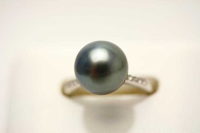 クールなブラックグレーの輝き タヒチパールリング タヒチ黒蝶真珠パールリング 指輪 ブラックグレーカラー 10mm K18WG製 卓越 D0.07ct 高品質