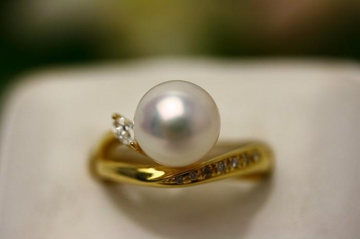 アコヤ真珠パールリング【指輪】 9.0-9.5mm ホワイトピンクカラー K18製/D0.14ct