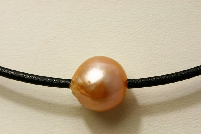 淡水真珠パールスルーチェーンネックレス 革紐 12mm オレンジカラー