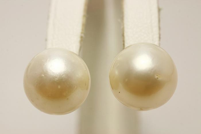 南洋白蝶真珠パールピアス 12mm ホワイトカラー K14WG製