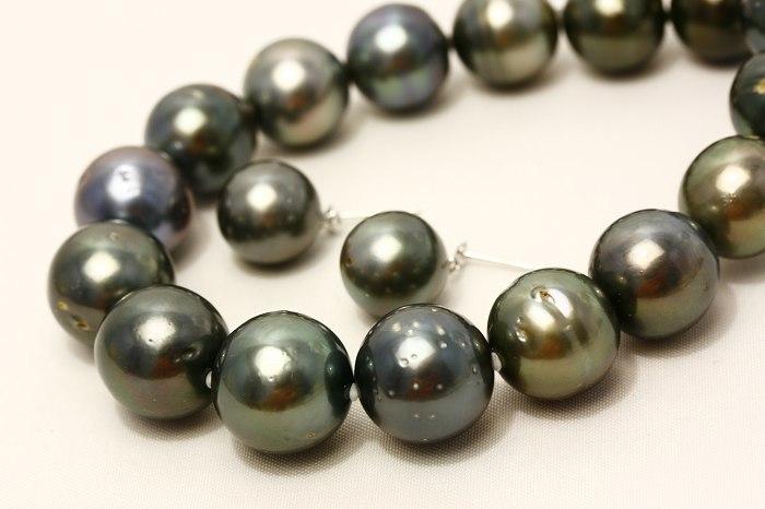 タヒチ黒蝶真珠パールネックレス/ピアスorイヤリング 2点セット 15-11mm ブラックカラー