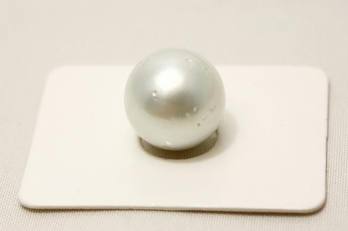 南洋白蝶真珠パールルース 13mm ホワイトカラー