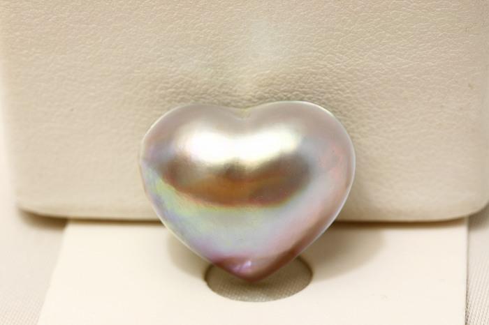 マベ真珠パールルース 20×17mm ブルーピンクカラー