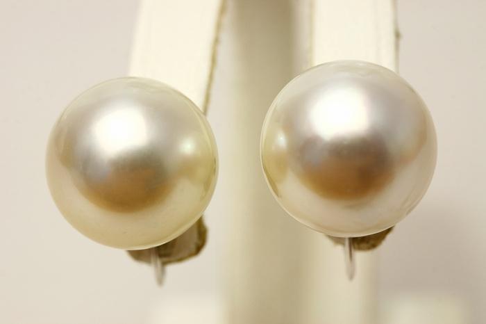南洋白蝶真珠パールイヤリング 13mm ホワイトピンクカラー K14WG製
