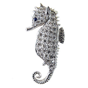 タツノオトシゴ ダイヤモンド サファイア ブローチ ラペルピン タイニーピン ピンズ ピンブローチ ダイヤモンド サファイア ホワイトゴールド シードラゴン 送料無料 誕生日 ホワイトデー 記念日 プレゼント ギフト 4月誕生石 9月誕生石