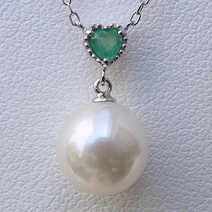 母の日 2019 ハート 真珠 ペンダント あこや本真珠 パール エメラルド 5月誕生石 ホワイトゴールド