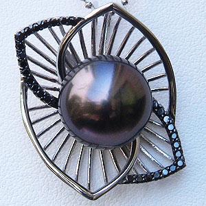 母の日 2019 黒真珠 ブラックパール タヒチ黒蝶真珠 13mm ペンダントトップ ホワイトゴールド ブラックダイヤモンド