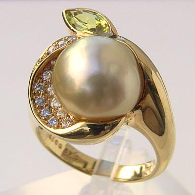 母の日 2019 南洋白蝶真珠 ダイヤモンド ペリドット パール リング ゴールド系 11mm K18 ゴールド 指輪