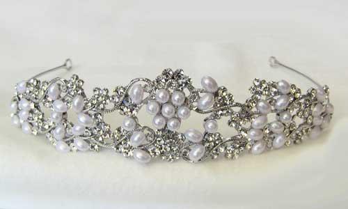 真珠 パール ノーブル フラワーパール ティアラ クリスタル ブライダル 結婚式 冠婚葬祭 敬老の日