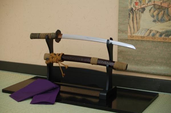 「カムイ外伝」主人公カムイの剣 忍び刀 刀掛台・刀袋・手入れ道具 (目釘抜き入り)がセットです。 日本刀