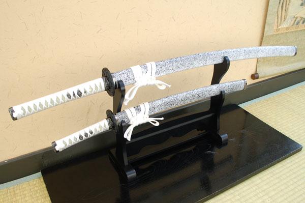 模造刀 美術刀 銀石目セット(大刀・小刀・刀掛台セット)