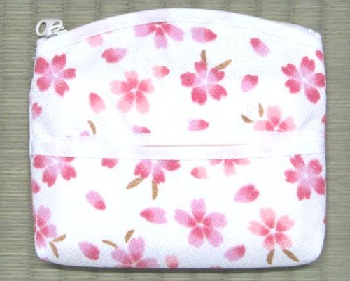 美品 白地にピンクの桜柄が 優しいティッシュポーチ女性へのギフトにも喜ばれます 縮緬 和風小物桜柄 在庫あり ちりめん ティッシュポーチ