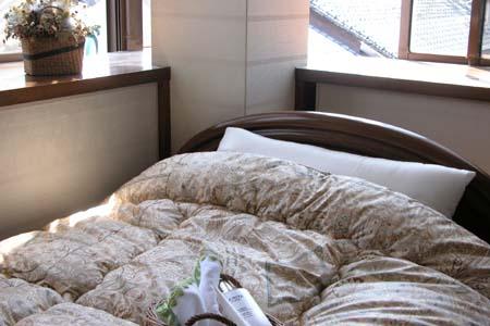 清潔な機能素材の新しい化繊布団陽だまりのような暖かさモイスケア掛布団シングル【送料無料】