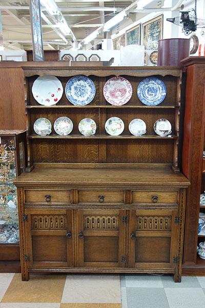 1930s Antique Cupboard Kitchen Dresser Vintage Highest Grade Oak Anese Tiger Stripes Trough Brown Made In U K Received Newly Is Innocent