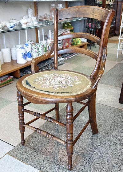 【送料無料!!】【即納可!!】新入荷しました♪アメリカ製 アンティーク 木製 肘付き チェアー チェアスツール 椅子 イス