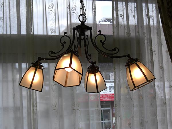 4灯 ペンダントランプ アンティーク調