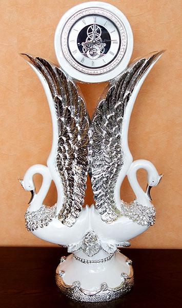 【送料無料!!】スワン 置き時計 ホワイト シルバー クリスタル時計 クロック 白鳥北海道・沖縄・離島は別途送料をお見積り