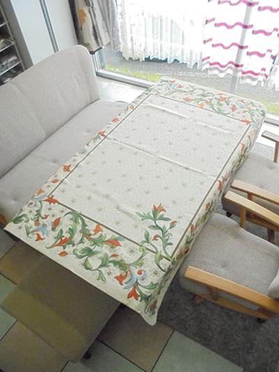 【送料無料】【即納可!!】再入荷しました♪高級 スペイン製 ゴブラン織り テーブルクロス マルチカバー タペストリー フラワー 140 X 180cm
