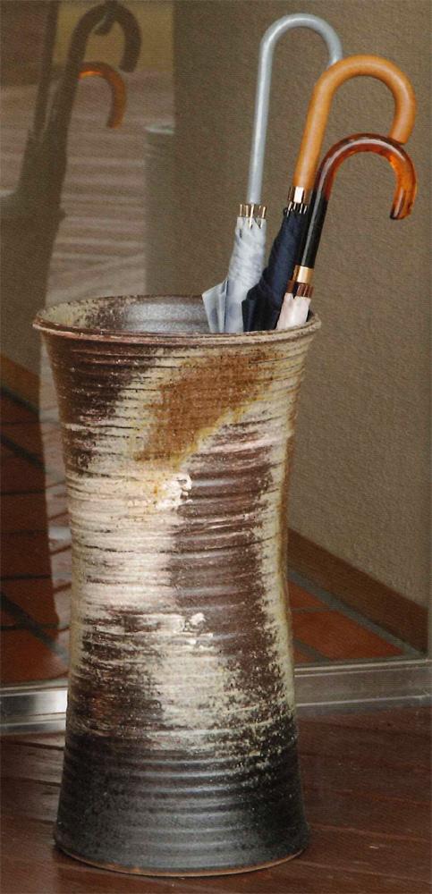【送料無料】信楽焼 傘立て サイズ:W32.5×H60.5(cm) 【北海道・沖縄・離島の送料は別途見積り】※手作り品のため、色・形・大きさ等が少々変わってしまう場合があります。シンプルモダン 和風 レインラック 伝統 工芸品 焼き物 傘【smtb-MS】