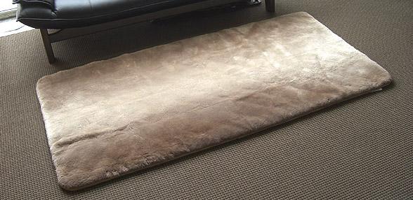 再入荷しました♪高級ムートンシーツ100x200(シングル)オーストラリア産ラムスキン原皮使用