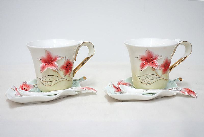 【即納可!!】新入荷しました♪陶器 カップ&ソーサー ペアセットピンクフラワー スプーン付きコーヒー ティーカップ