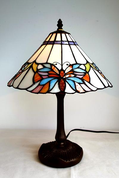 【送料無料!!】【即納可!!】新入荷しました♪ステンドグラスランプ タッチランプバタフライ 蝶々