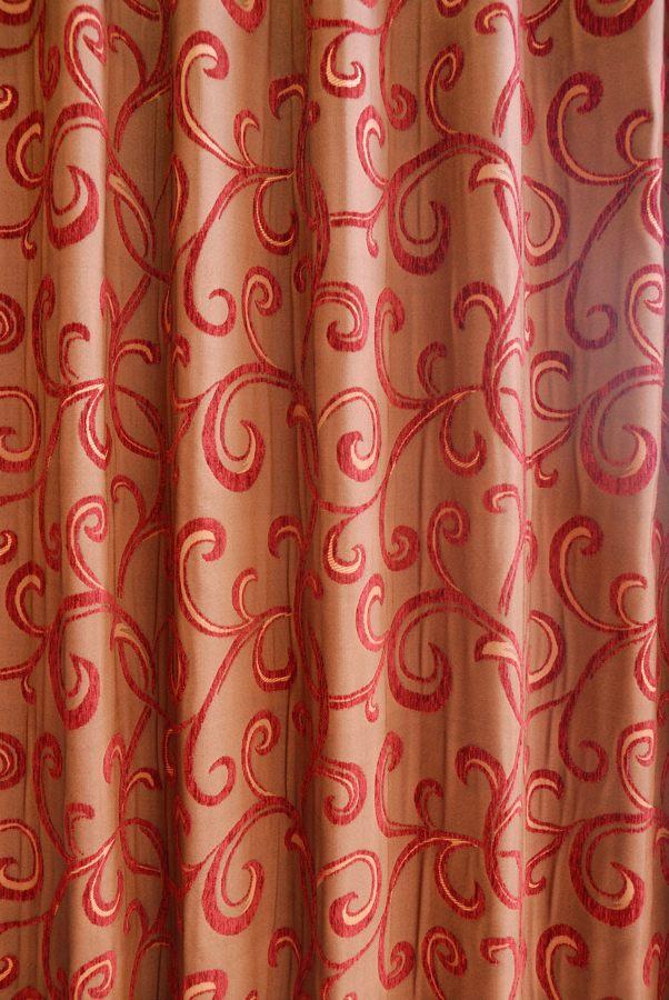 カーテン オーダーメイドカーテン 送料無料 高級 スペイン製 シェニール織 遮光 「イヴァーナ RED」 1.5倍ヒダ 巾(101~200cm)×丈(~250cm)新築 マンション かけ替え 掛替  オーダーカーテン