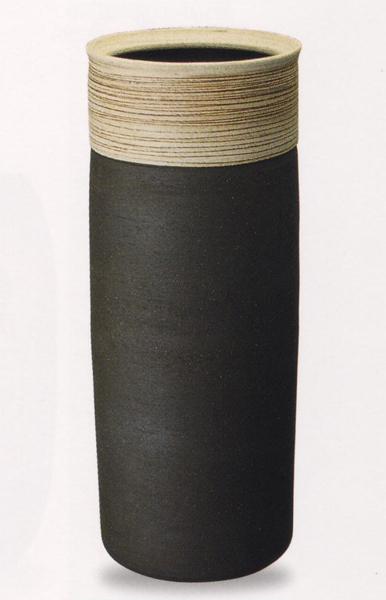 信楽焼き 傘立て レインラック 傘 アンブレラスタンド 手作り 陶器サイズ:W22.5×H56cm※手作り品のため、色・形・大きさ等が少々変わってしまう場合があります。ブラック ボーダー 縞 ライン シンプルモダン 和風 アジアンテイスト 伝統 工芸品
