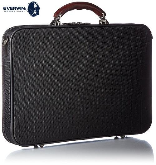 軽量 ブリーフバッグ メンズ ブラック 送料無料 日本製 EVERWINエバウィンが展開する鞄の聖地、兵庫県豊岡市にて生産をされた木手ハンドル(カリン)を採用したブリーフバックサイズ:タテ30cmxヨコ42cmxマチ6cm