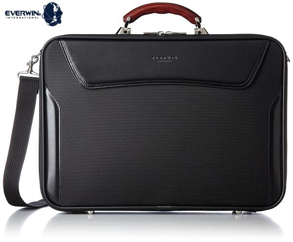 軽量 ブリーフバッグ メンズ ブラック 送料無料 日本製 EVERWINエバウィンが展開する鞄の聖地、兵庫県豊岡市にて生産をされた木手ハンドル(カリン)ブリーフバックサイズ:タテ32cmxヨコ45cmxマチ10cm