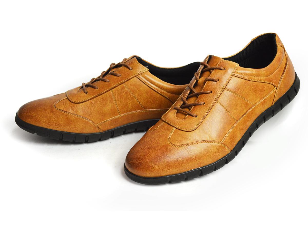革靴として定番のブラウンカラーも、ビジネススニーカーにおすすめの色味です。靴のディティールが良く見えるため、ブローグ(穴飾り)があったりする場合は、ブラウンをおすすめしますよ。