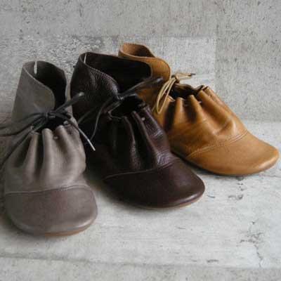 ナチュラルレザーのぺたんこ靴Lahella ラヘラ LS-2(日本製)丸トゥで可愛いカジュアル靴靴 シューズ「靴」