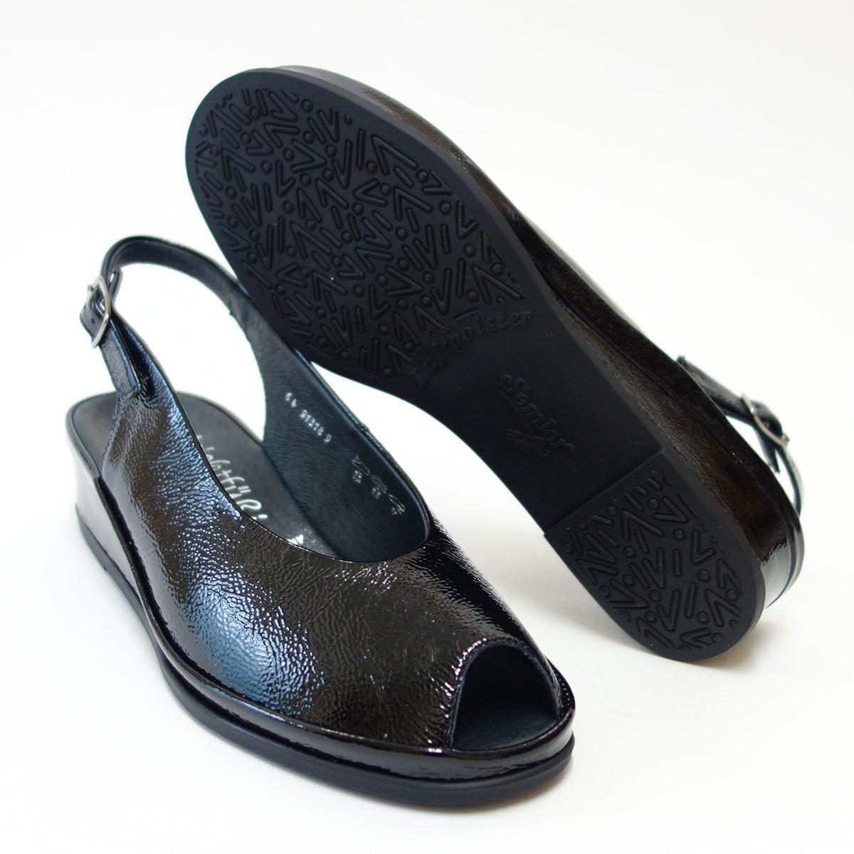 足をやさしく包み込む快適シューズSemler セムラー 2112 ブラックエナメル足裏が気持ち良いドイツ製フットベッドサンダル「靴」