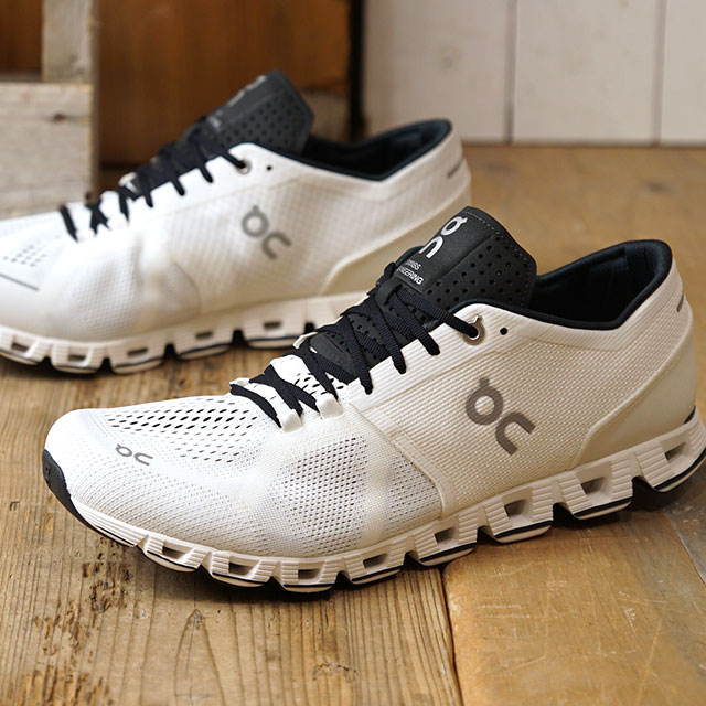 On on sneakers cloud X M Cloud X (20.0006 FW19) men's running shoes gym fitness shoes white black white system