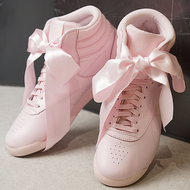 6892e71ca46 Reebok CLASSIC Reebok classical music sneakers Lady s F S HI SATIN BOW free-style  satin bow tie P pink  S gray (CM8905 SS18)
